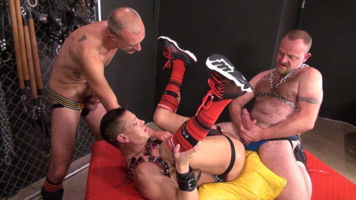 Gay Bareback Leather Fetish