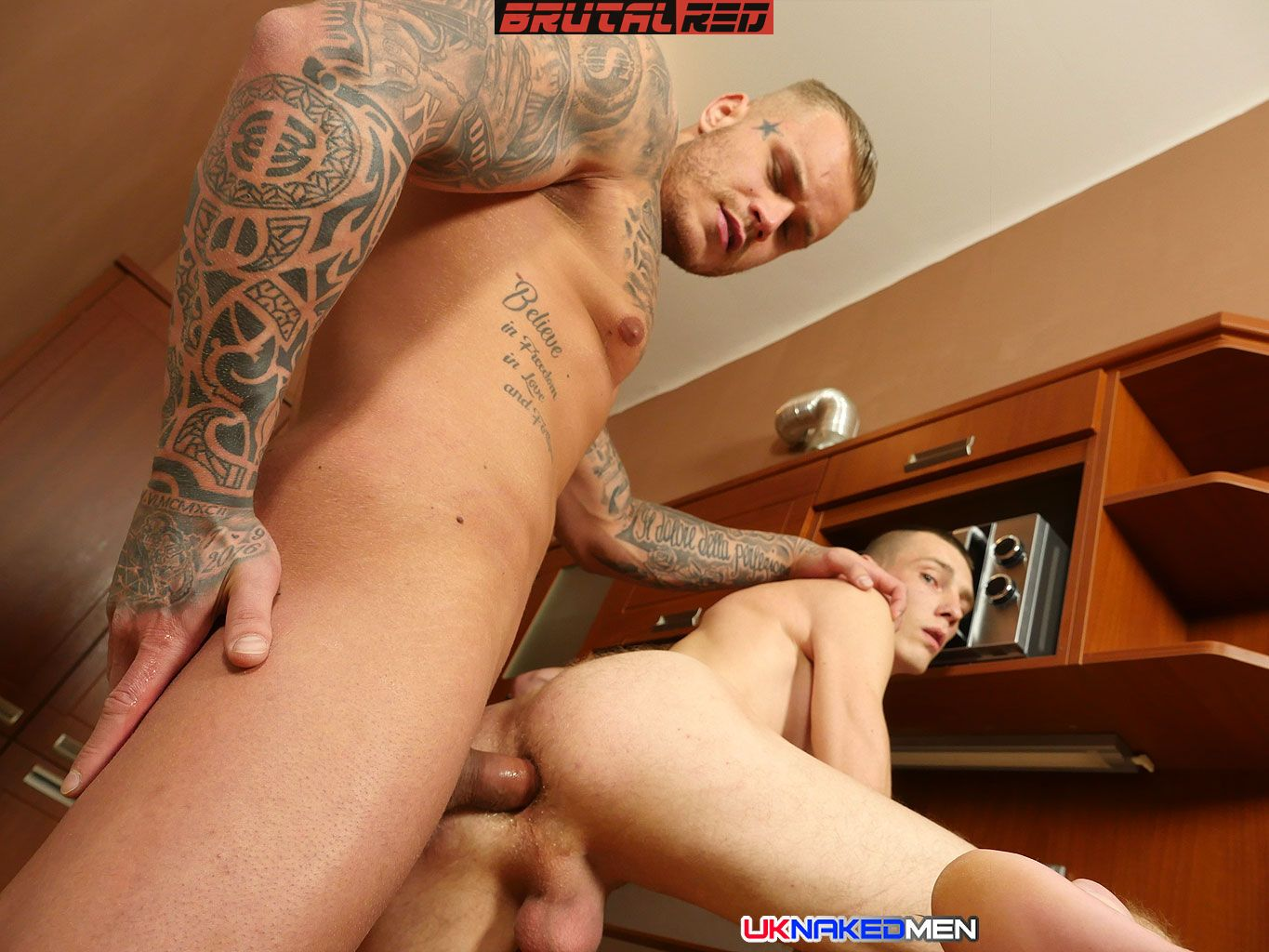 Mario Gibson Gets Barebacked By Ryan Cage 2