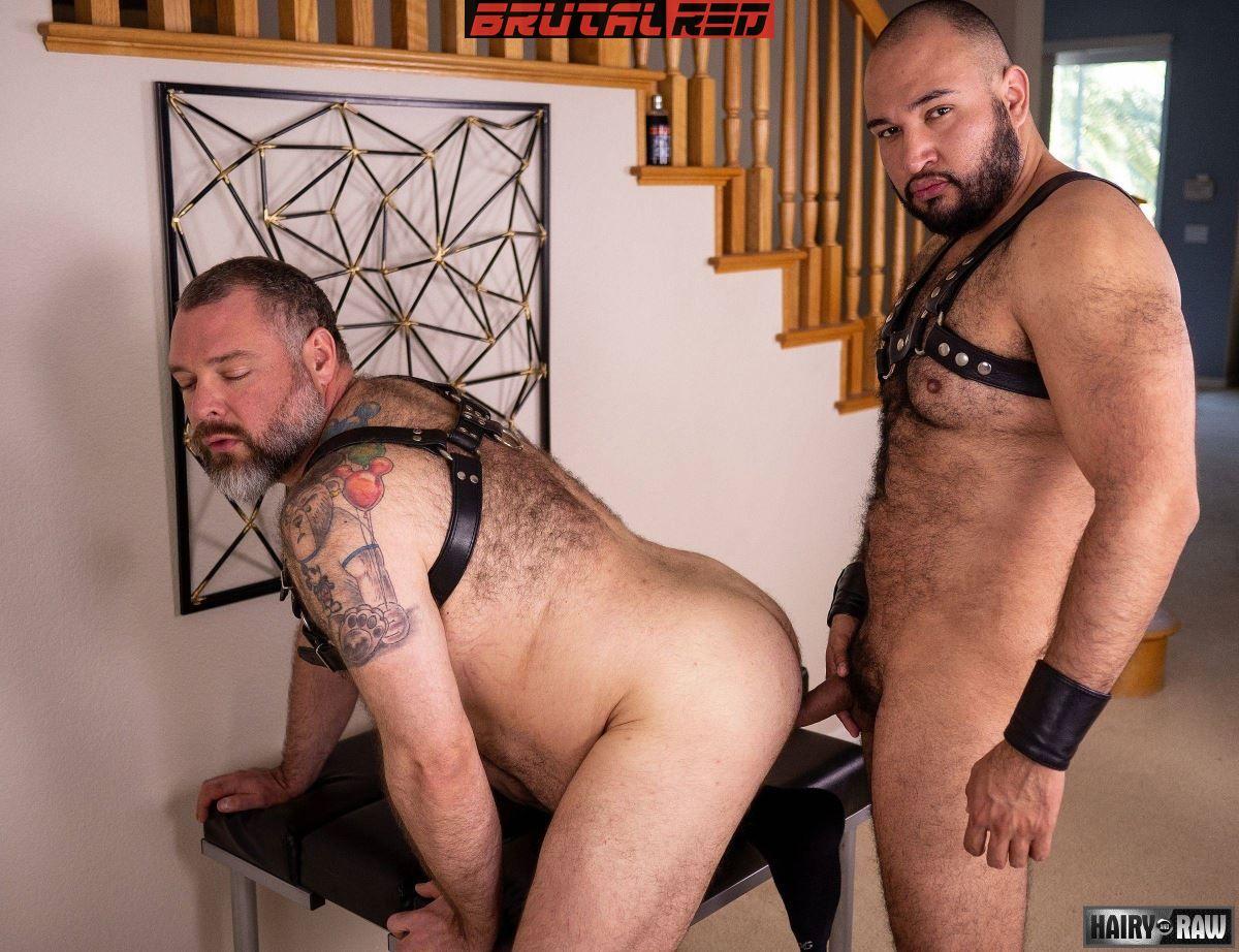 Leather Bears Fuck:  Angel Ferrari and Kurt Jacobs 4
