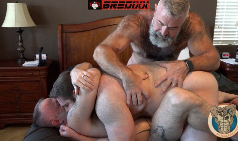 Teddy Hunter Joins Muscle Bears Will & Liam Angell 3