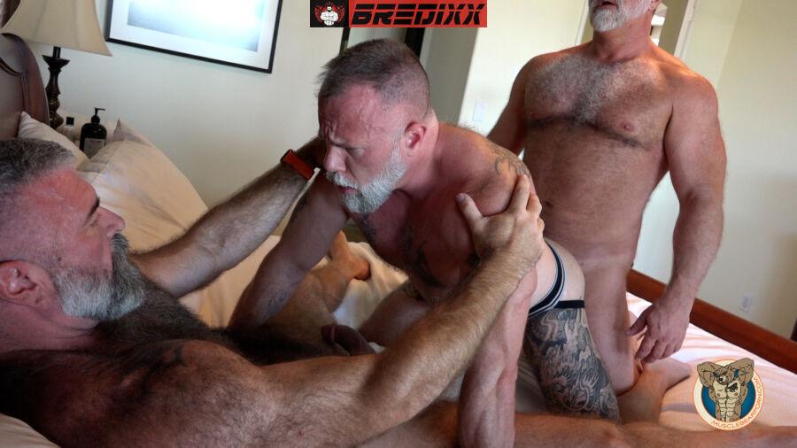 Big Daddy Fucker - Muscle Bear Porn 2
